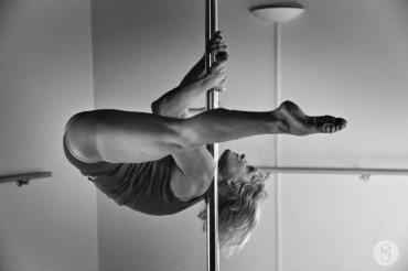 Pilates e Altro - pole-dance17.jpg
