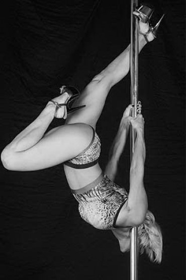 Pilates e Altro - pole-dance31.jpg
